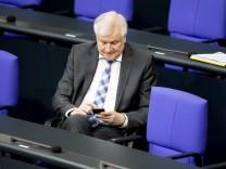 Bundesinnenminister Horst Seehofer (CDU) im Deutschen Bundestag