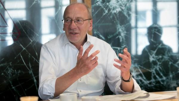 Hans-Georg Küppers, Kulturreferent, Abschied. In seinem Büro im Kulturreferat der Landeshauptstadt München