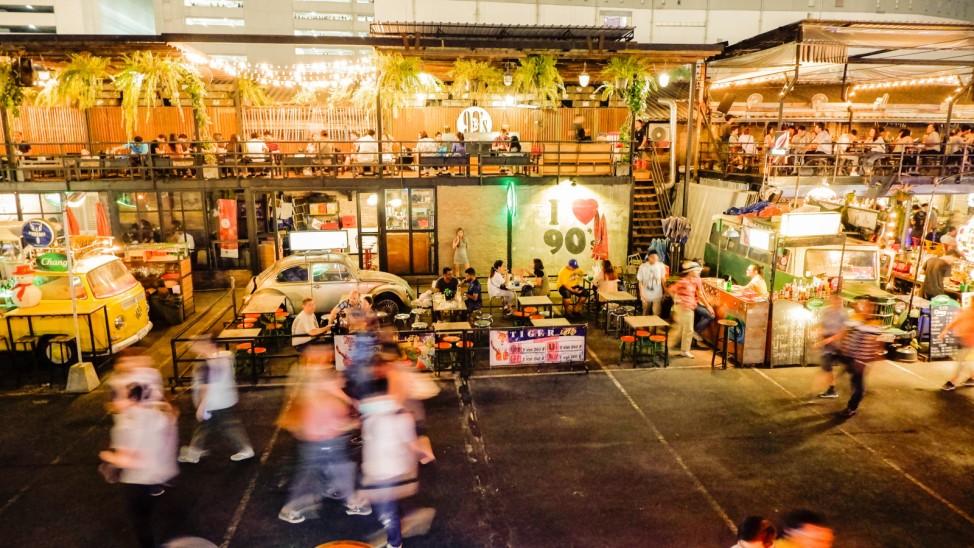 Trinkgeld Thailand Malaysia Asien Reise tip Urlaub Fernreise Strandurlaub Restaurant Bar Taxi Hotel