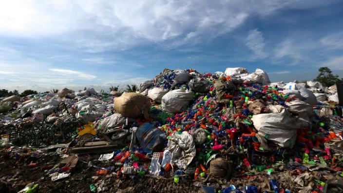 Garbage dump site in Pathum Thani