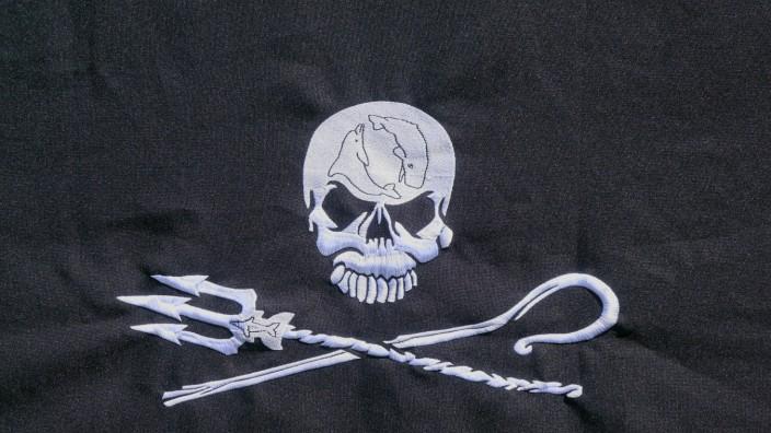 11 06 2017 Flagge von Sea Shepherd Flagge Fahne Aufnäher Totenkopf Dreizack Schutz Meere M