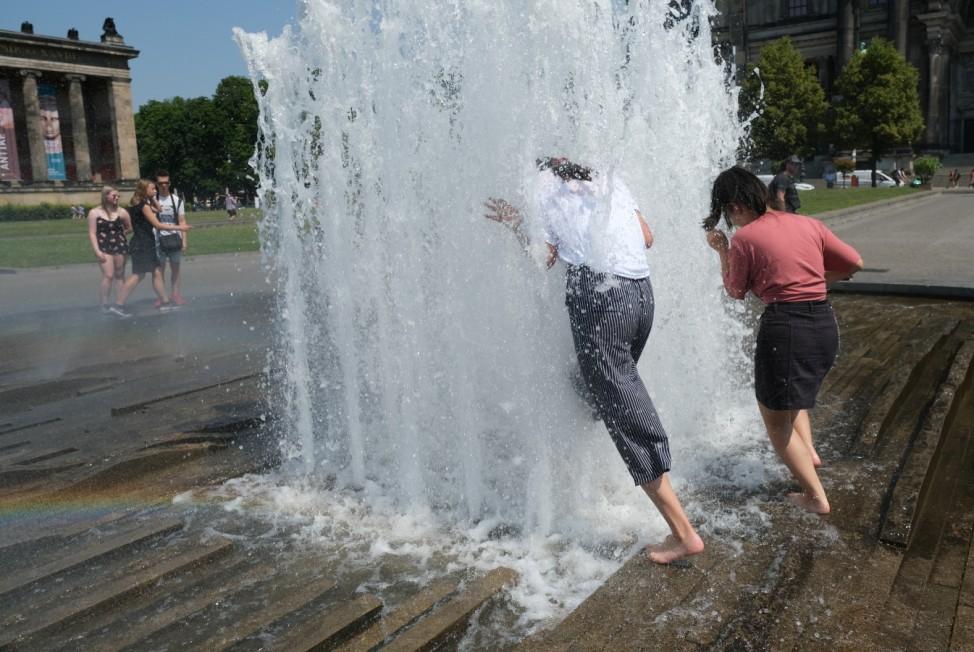 BESTPIX - Saharan Heat Wave Hits Germany