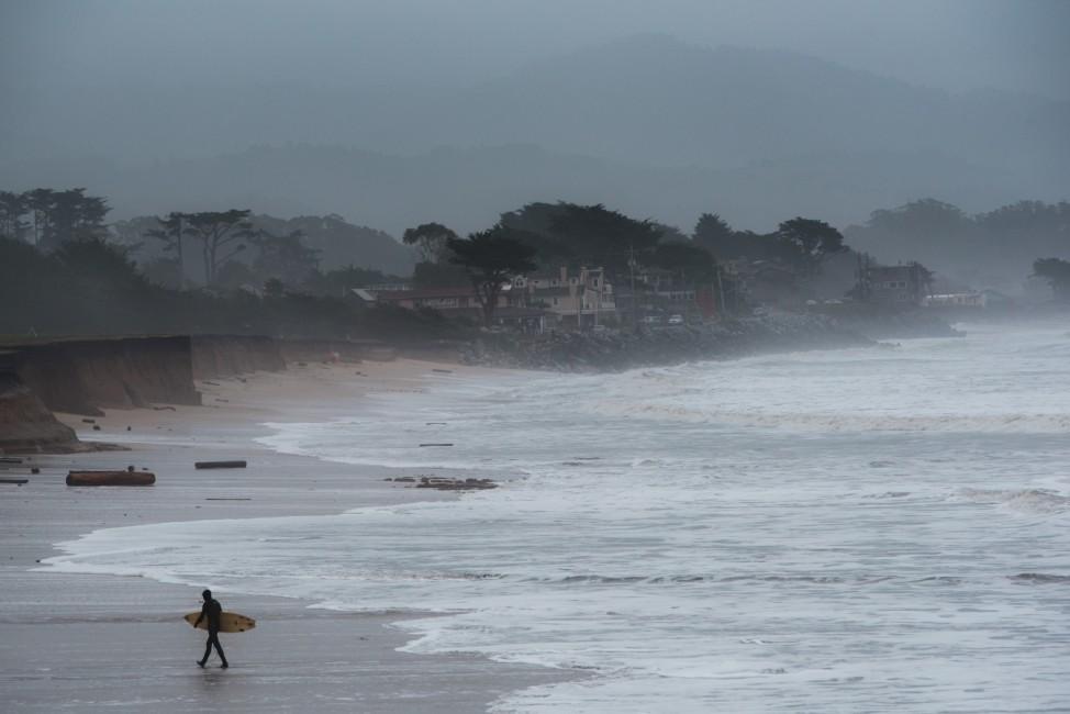 Die Half Moon Bay in Kalifornien in den USA ist ein beliebter Surf-Spot.