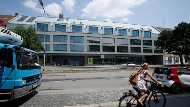 das ehemalige Kaufhaus Beck an der Fürstenrieder Straße 21