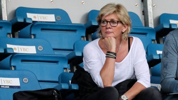 Die ehemalige Bundestrainerin Silvia Neid als Beobachterin im Publikum unter den Zuschauern Fussba