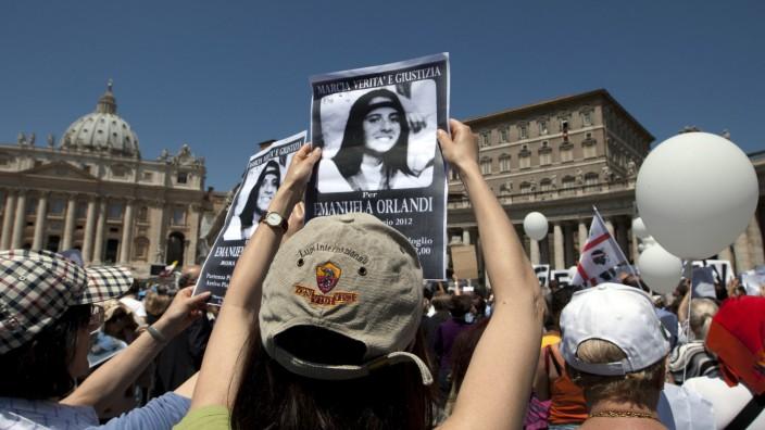 Verschwundenes Mädchen: Vatikan lässt zwei Gräber öffnen