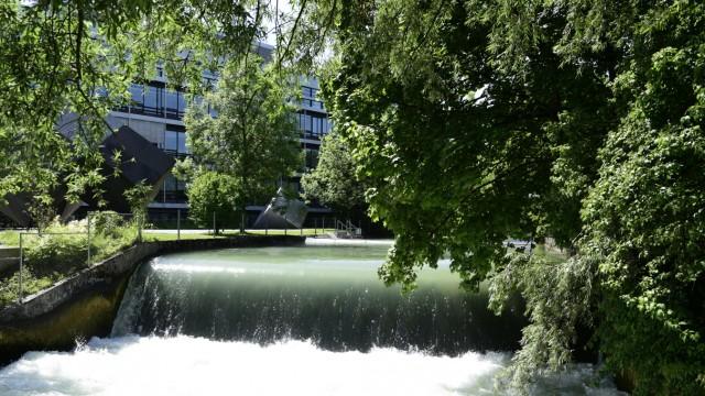 Englischer Garten: Die Kraft des Wasser beträgt an dieser Stelle 500 Kilowatt.
