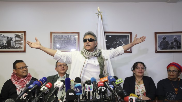 Seuxis Hernandez, Jesus Santrich