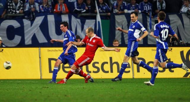 Schalke 04 v Bayern Muenchen - DFB Cup; Robben