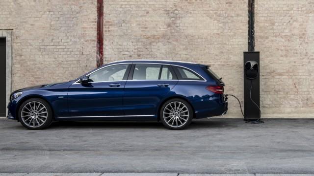 FV  EQ Stuttgart 2018  Driven by EQ Stuttgart 2018; Mercedes C300 de