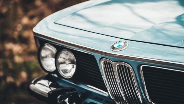 Autobauer BMW: Schnell, sportlich: In den Sechzigerjahren kam der große Erfolg nach München - ein BMW 3,0 der Baureihe E9.