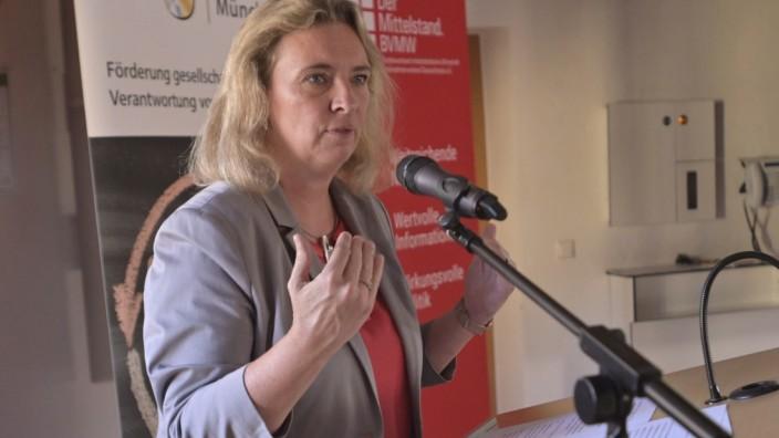 """Projekt: CSR sei im Landkreis München """"kein neuer Trend"""", sagte Staatsministerin Schreyer am Donnerstag."""