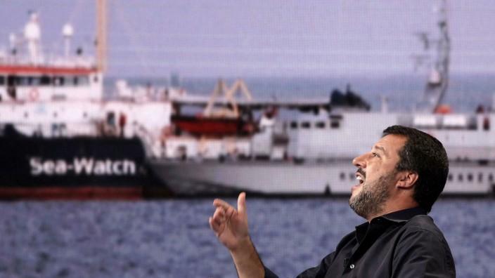 Italien - Matteo Salvini spricht in einer TV-Sendung