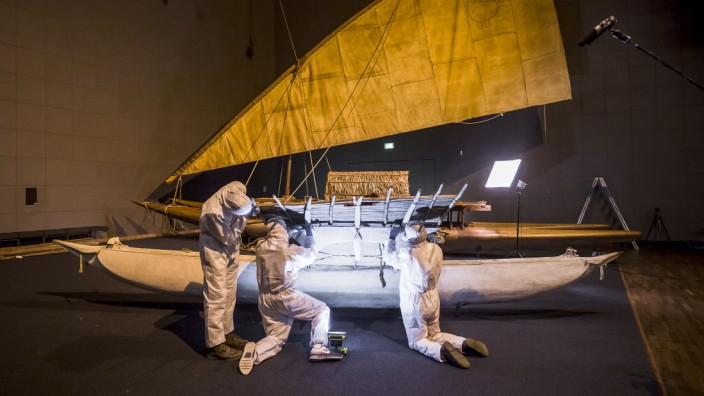 Ethnologische Museen Deutschlands: Abbau von Südseebooten im Ethnologischen Museum von Berlin, sie sollen ins Humboldt-Forum.