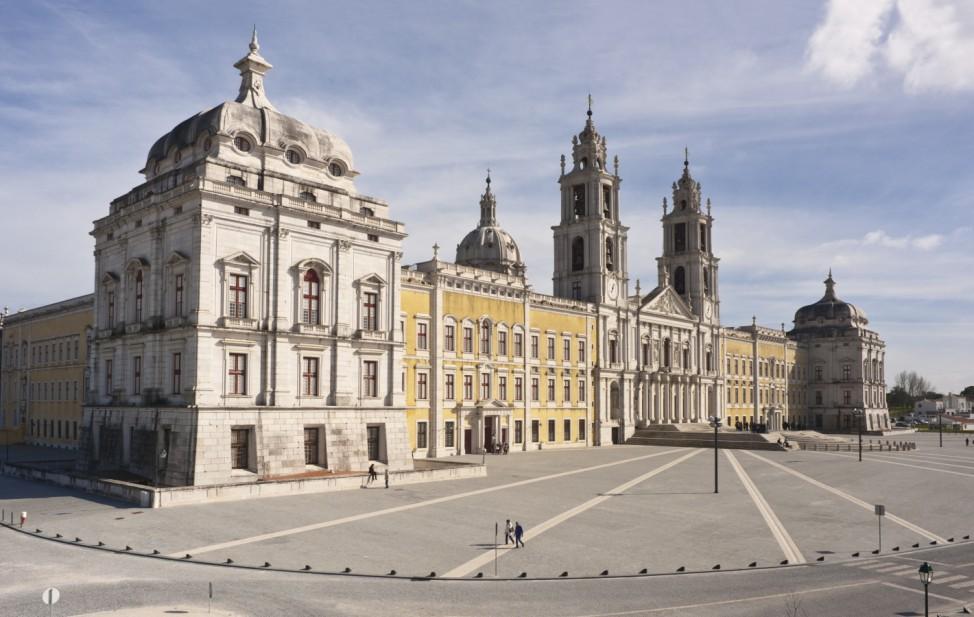 Façade principale (côté est); Mafra Portugal Unesco Welterbe Titel 2019