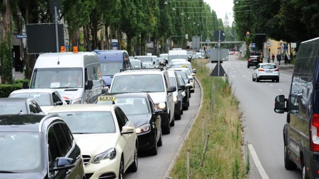 """MVG-Streik: """"Leicht über dem Durchschnitt"""", sagt gegen Viertel nach acht ein Polizeisprecher über die Verkehrslage."""