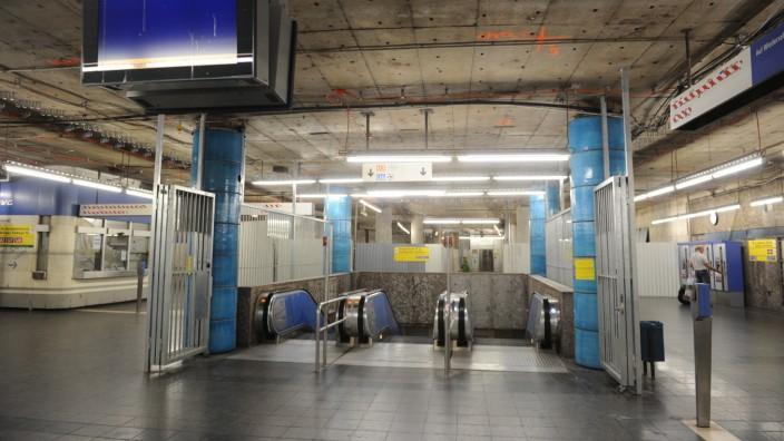wegen des MVG-Streiks in München fuhren keine U-Bahnen.