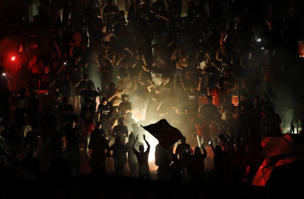 Gewinner: Fans des Teams Tijuana in Mexiko feiern den Sieg ihrer Fußballmannschaft gegen Boca Junior in einem Freundschaftsspiel.