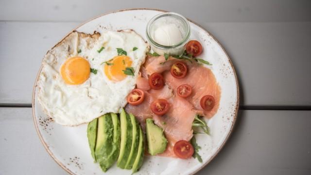 "Das Frühstück ""Café Altschwabing"" im Café Altschwabing."