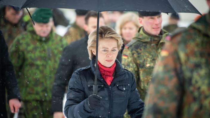 Verteidigungsministerin reist ins Baltikum