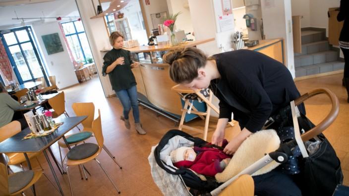 Cafe Glanz (Adventskalender), Siaf e. V., Sedanstraße 37