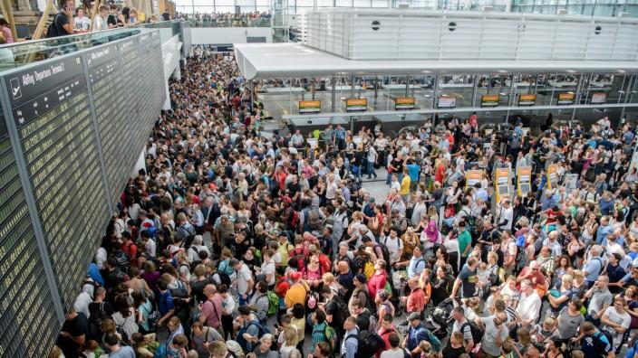 6000 Gutscheine nach Flughafen-Chaos in München verteilt