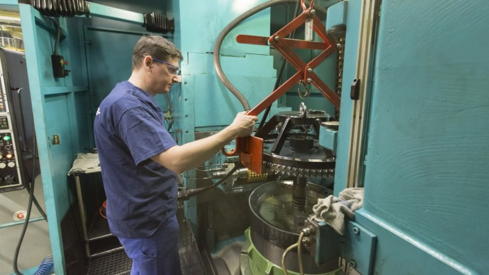 Manufacturing Operations At Heidelberger Druckmaschinen AG