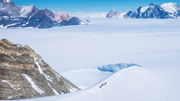 Der Mount Sidley ist der höchste Vulkan der Antarktis und komplett vereist.
