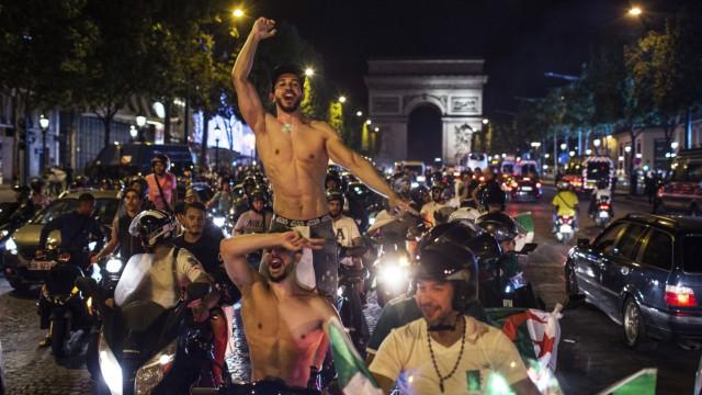 Afrika-Cup: Algerier feiern in Paris