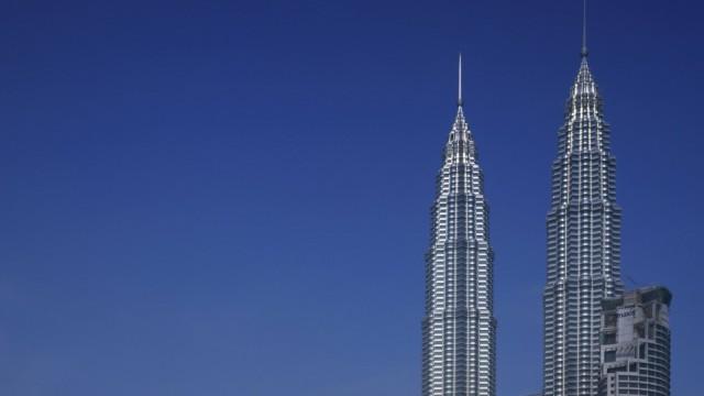 Petronas Towers Kuala Lumpur Malaysia 1998 Architects Architects Cesar Pelli Malaysia PUBLIC