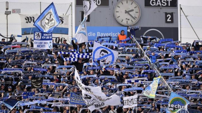 TSV 1860 München: Fans im Grünwalder Stadion