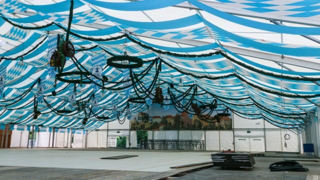 Volksfest Aufbau