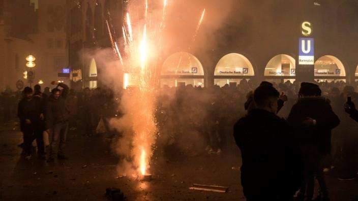 Die Stadt München plant ein Verbot von Feuerwerkskörpern am Marienplatz und in der Fußgängerzone.