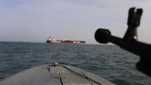Persischer Golf - Iranische Revolutionsgarden patrouillieren in der Straße von Hormus