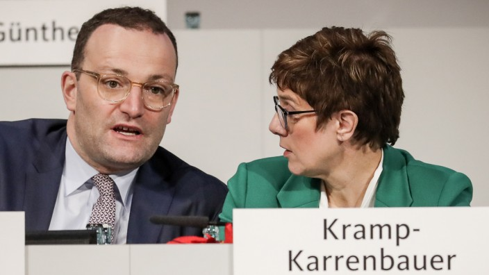 CDU - Annegret Kramp-Karrenbauer und Jens Spahn 2018 in Hamburg