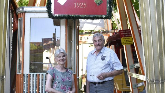 Auer Dult: Edith Simon und Herbert Koppenhöfer betreiben das Russenrad schon seit 20 Jahren. Nach der anstehenden Jakobidult ist Schluss für die beiden.