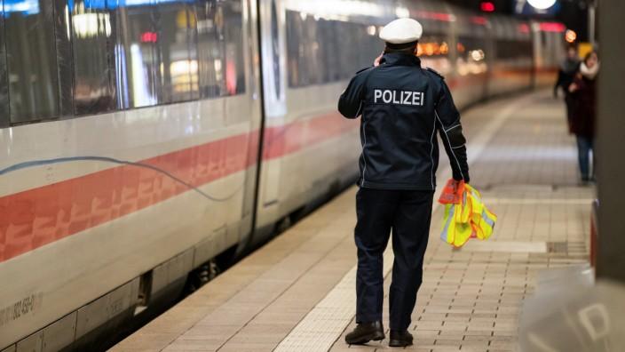 Polizeipräsenz an Bahnhöfen