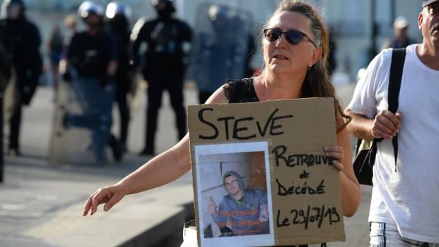 Frankreich: Für Steve, der nach einem Polizeieinsatz gegen ein Musikfestival ums Leben gekommen war, gingen am Samstag die Menschen in Nantes auf die Straße.