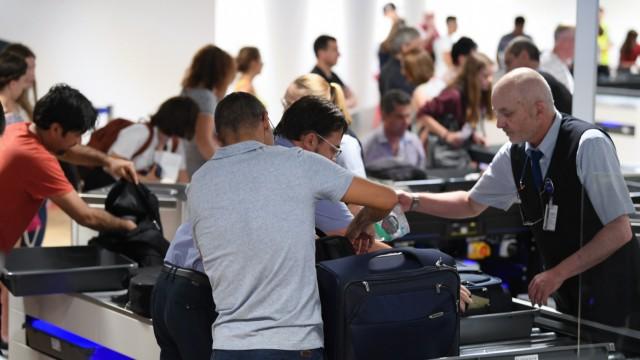 Zusätzliche Kontrollspuren am Frankfurter Flughafen