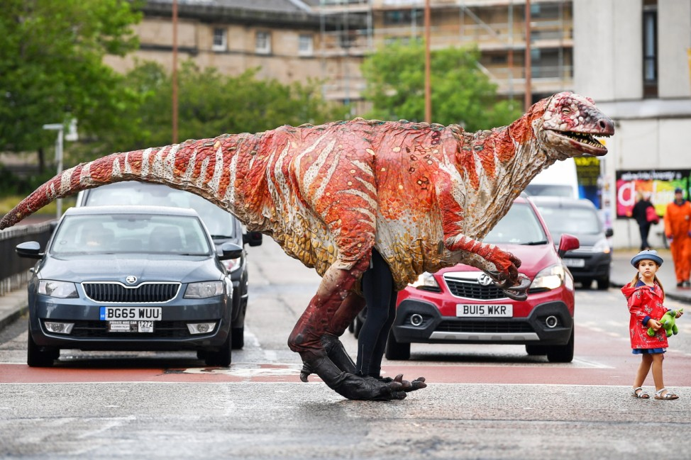 'Dinosaur's Zoo' Hits Edinburgh For Fringe