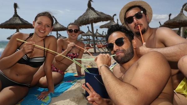 Party-Touristen am Ballermann auf Mallorca