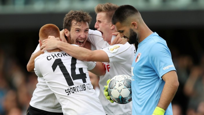 SC Verl v FC Augsburg - DFB Cup
