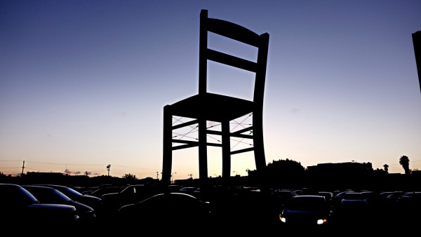 Seat of Design, 40 foot high chair outside the Photo LA exhibitio