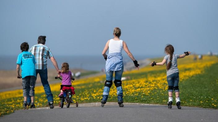 Studie: In vielen Familien kommt Bewegung zu kurz
