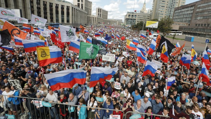 Demonstration gegen Ausschluss von Kandidaten in Moskau