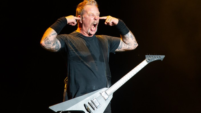 Metallica-Sänger James Hetfield bei einem Konzert