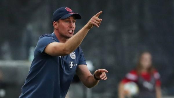 Trainer Sebastian Hoeneß FC Bayern München II 3 Liga Fußball Saison 2019 2020 Punktspiel Halles
