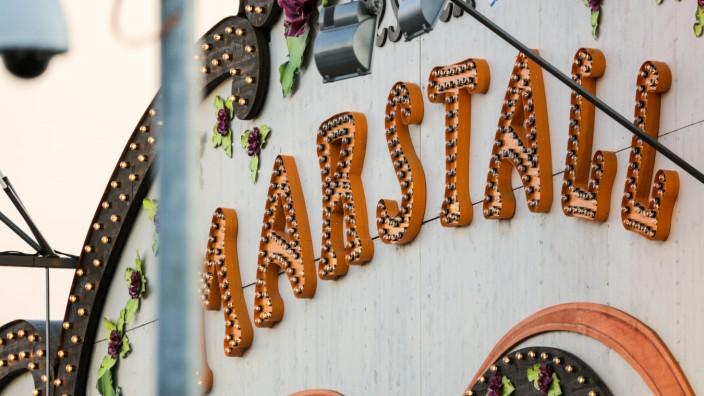 Das Marstall-Zelt auf dem Oktoberfest in München