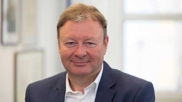 Der Regensburger Studioleiter des Bayerischen Rundfunks, Gerhard Schiechel.