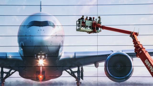 Arbeiter am Flughafen München